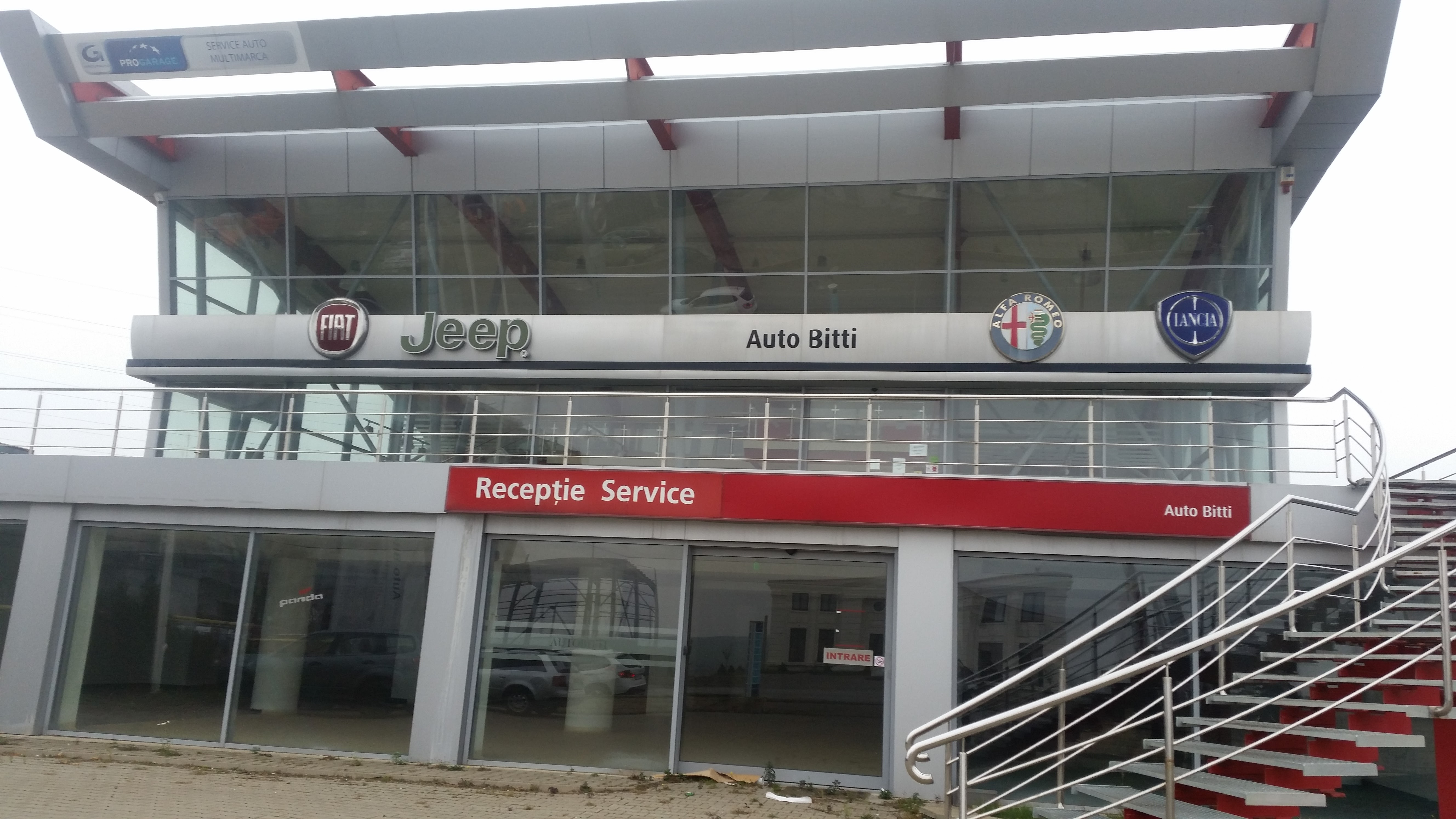 Showroom, service auto, teren 5000 mp Suceava
